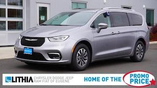 New 2021 Chrysler Pacifica TOURING L Passenger Van Eugene, OR