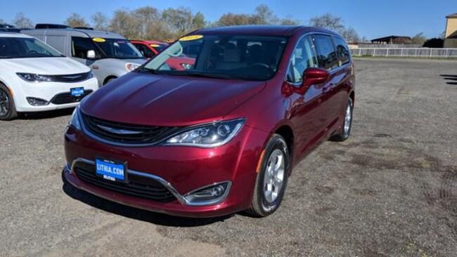 New 2018 Chrysler Pacifica Hybrid TOURING PLUS Passenger Van Eureka, CA