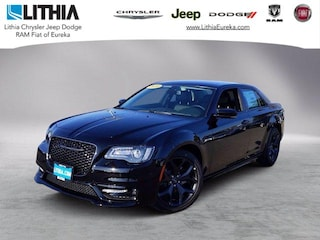 New 2020 Chrysler 300 TOURING L Sedan Eureka, CA