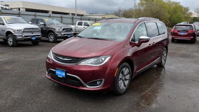 New 2018 Chrysler Pacifica Hybrid LIMITED Passenger Van Eureka, CA