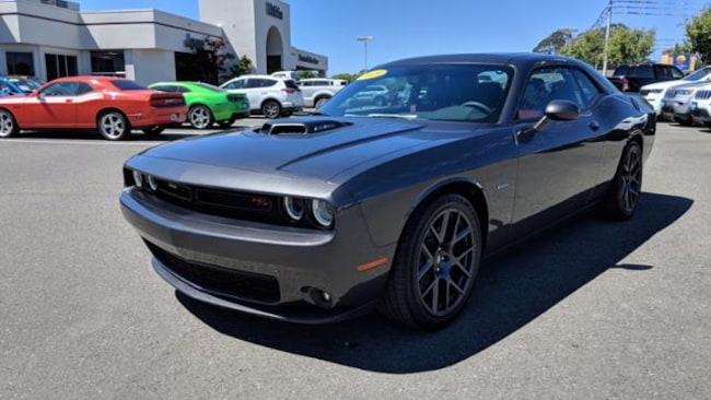 dodge challenger rt manual or automatic