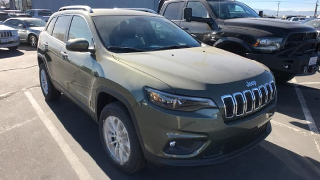 new 2019 jeep cherokee latitude 4x4 sport utility olive green pearlcoat for sale reno stock. Black Bedroom Furniture Sets. Home Design Ideas