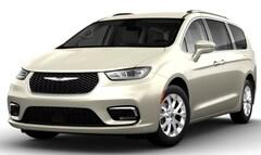 New 2021 Chrysler Pacifica TOURING L AWD Passenger Van in Billings, MT