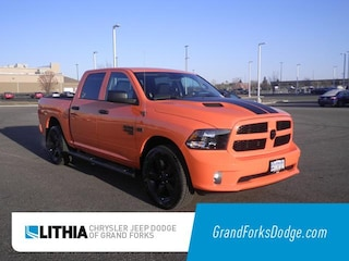 New 2019 Ram 1500 Classic EXPRESS CREW CAB 4X4 5'7 BOX Crew Cab Grand Forks, ND