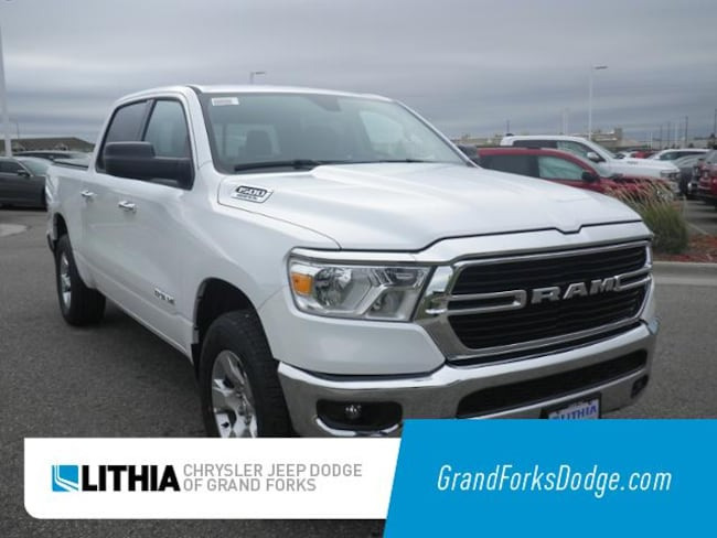 New 2019 Ram 1500 BIG HORN / LONE STAR CREW CAB 4X4 5'7 BOX Crew Cab Grand Forks, ND