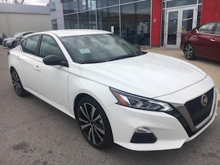 New 2019 Nissan Altima 2.5 SR Sedan Ames, IA