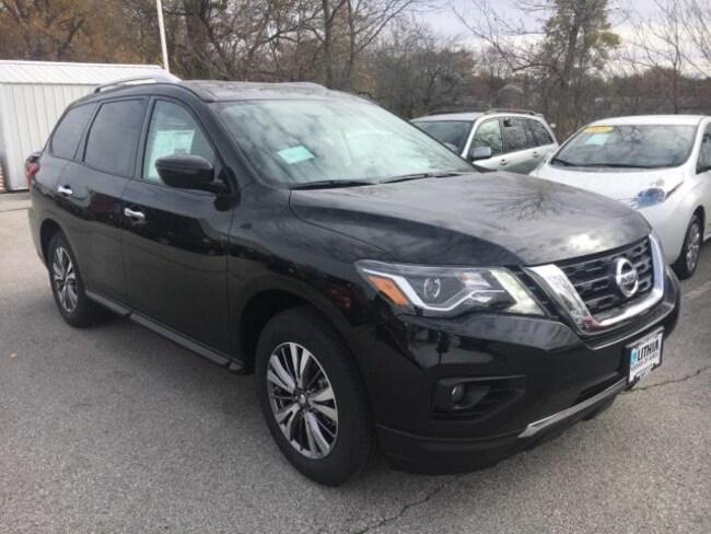 New 2019 Nissan Pathfinder SV SUV Ames, IA