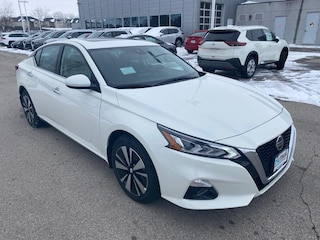 New 2020 Nissan Altima 2.5 SV Sedan Ames, IA