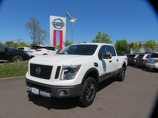 New 2019 Nissan Titan XD PRO-4X Gas Truck Crew Cab Eugene, OR