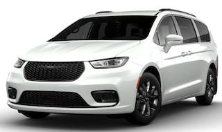 New 2021 Chrysler Pacifica TOURING L Passenger Van Pocatello, ID