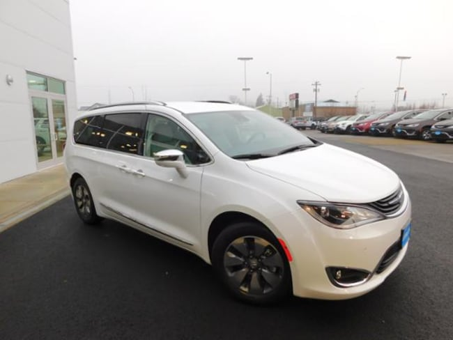 New 2018 Chrysler Pacifica Hybrid LIMITED Passenger Van Roseburg, OR
