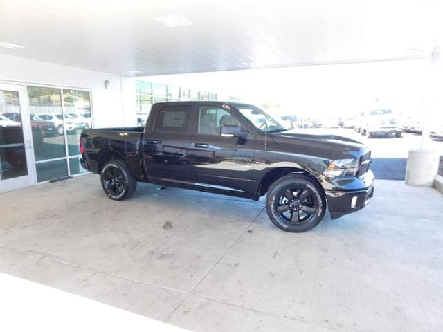 fec89ffa5f New 2019 Ram 1500 CLASSIC BIG HORN CREW CAB 4X4 5 7 BOX Crew Cab Brilliant  Black Crystal Pearlcoat For Sale in Roseburg OR KS535371