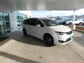 New 2019 Chrysler Pacifica TOURING PLUS Passenger Van Roseburg, OR