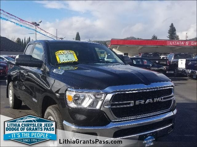 New 2019 Ram All-New 1500 TRADESMAN QUAD CAB 4X4 6'4 BOX Quad Cab Grants Pass, OR