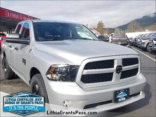 New 2019 Ram 1500 Classic EXPRESS QUAD CAB 4X4 6'4 BOX Quad Cab For Sale in Grants Pass