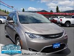 2018 Chrysler Pacifica HYBRID TOURING L Passenger Van Grants Pass, OR