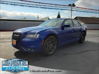 Certified Pre-Owned 2019 Chrysler 300 300S AWD Car Grants Pass, OR