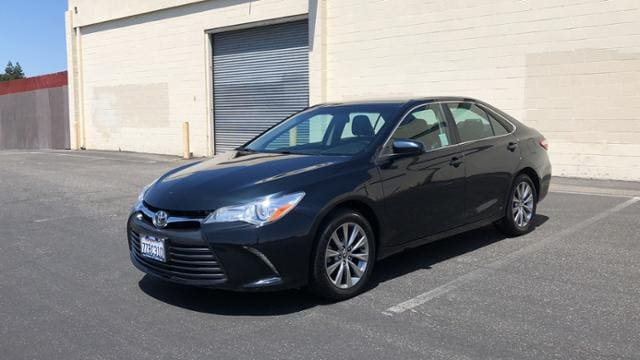 2016 Toyota Camry 4dr Sdn I4 Auto XLE Car