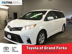 New 2019 Toyota Sienna LE 8 Passenger Van Grand Forks, ND