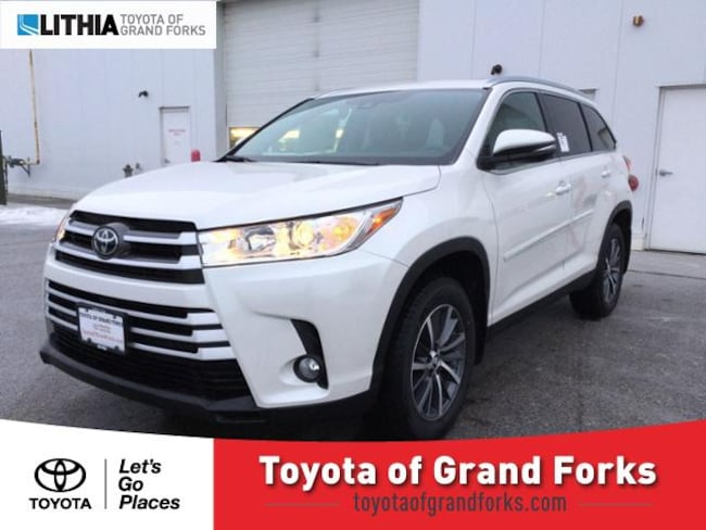 New 2019 Toyota Highlander Suv Xle V6 Blizzard Pearl For Sale In