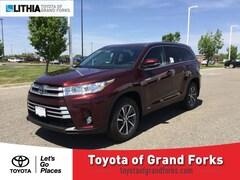 2019 Toyota Highlander Hybrid XLE V6 SUV Grand Forks, ND