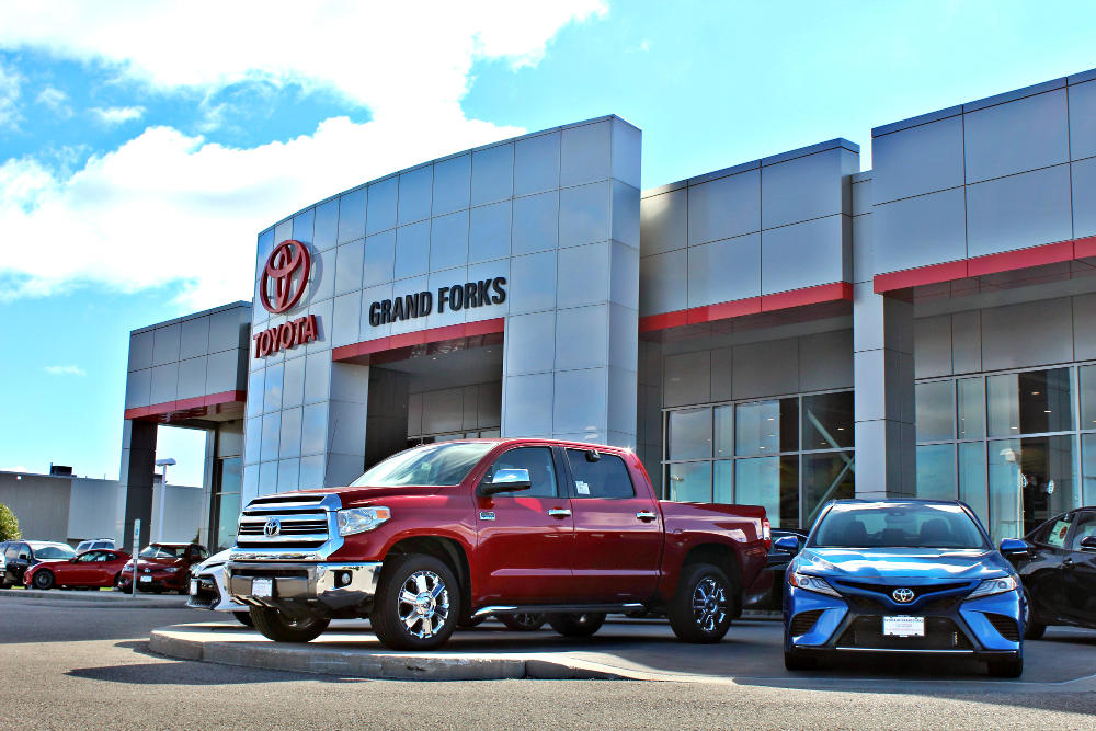 Car Dealerships In Grand Forks Nd >> Used Cars For Sale In Grand Forks Lithia Toyota Of Grand Forks