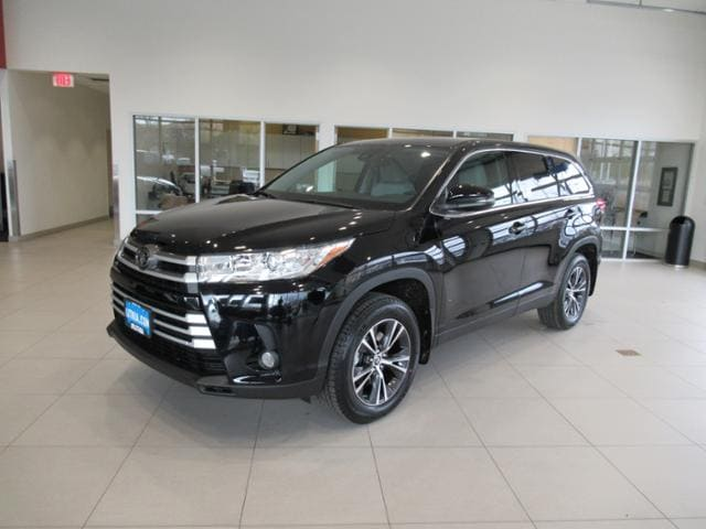 New 2019 Toyota Highlander Suv Le Plus V6 Midnight Black For Sale In