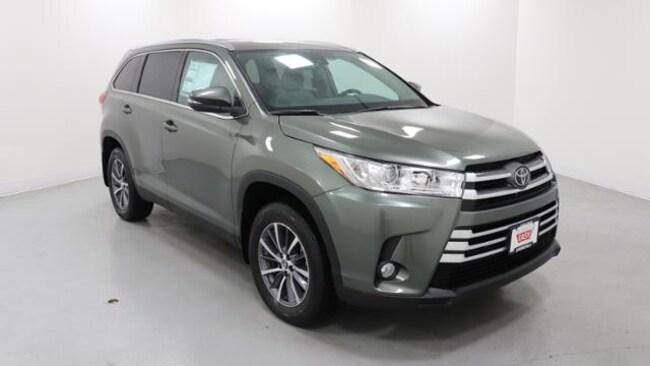 New 2019 Toyota Highlander XLE V6 SUV Springfield, OR