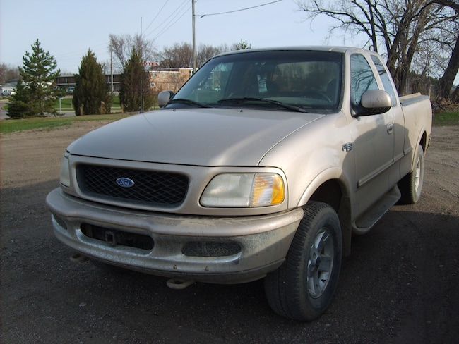 1997 Ford F-150 XL 4WD Super Cab Truck Extended Cab