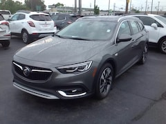 New 2018 Buick Regal TourX Essence Wagon W04GV8SX2J1135107 for Sale in Elkhart IN