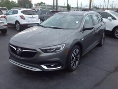 2018 Buick Regal TourX Essence Wagon W04GV8SX2J1135107