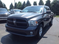 New 2018 Ram 1500 EXPRESS CREW CAB 4X4 5'7 BOX Crew Cab 3C6RR7KT2JG210388 for Sale in Elkhart IN
