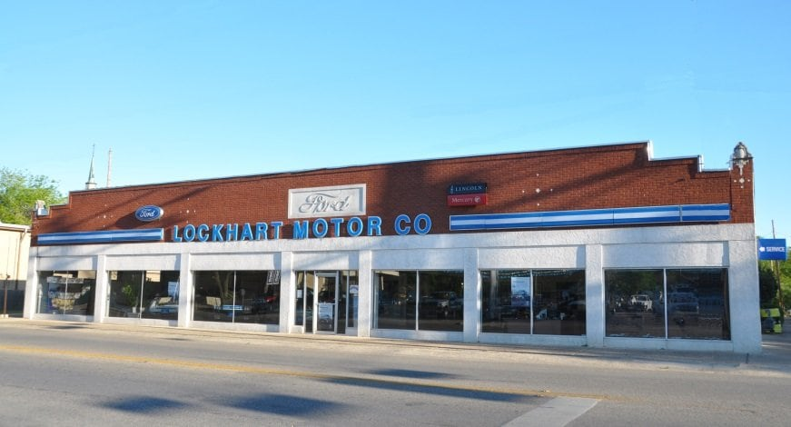 Lockhart Ford Motor Company - Dealership Front