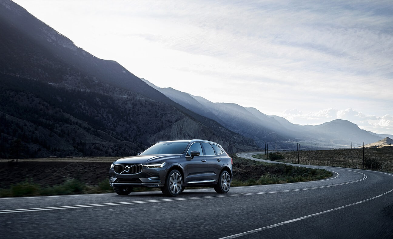 2018 Volvo XC60 mountian road