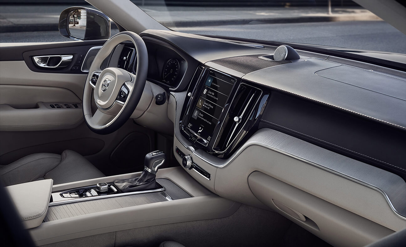 2018 Volvo XC60 dashboard