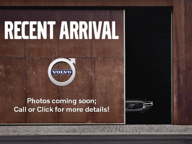 2021 Volvo XC90 T6 Momentum SUV