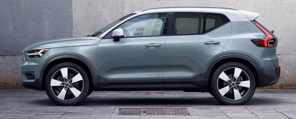 2019 XC40 SUV sideview