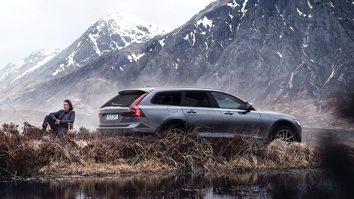 volvo v90 crosscountry exterior back right v1