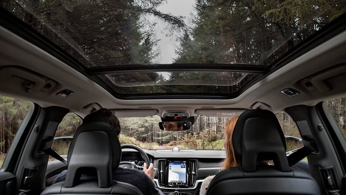 volvo v90 crosscountry interior sunroof v1