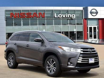Featured Pre Owned 2018 Toyota Highlander SE V6 SUV for sale near you in Lufkin, TX