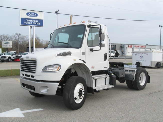 2012 Freightliner M2 106 Day Cab Tractor