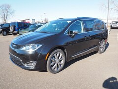 New 2019 Chrysler Pacifica LIMITED Passenger Van For Sale in Lumberton, NJ