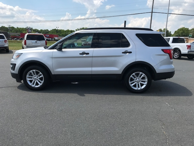 2017 Ford Explorer Base Base 4WD