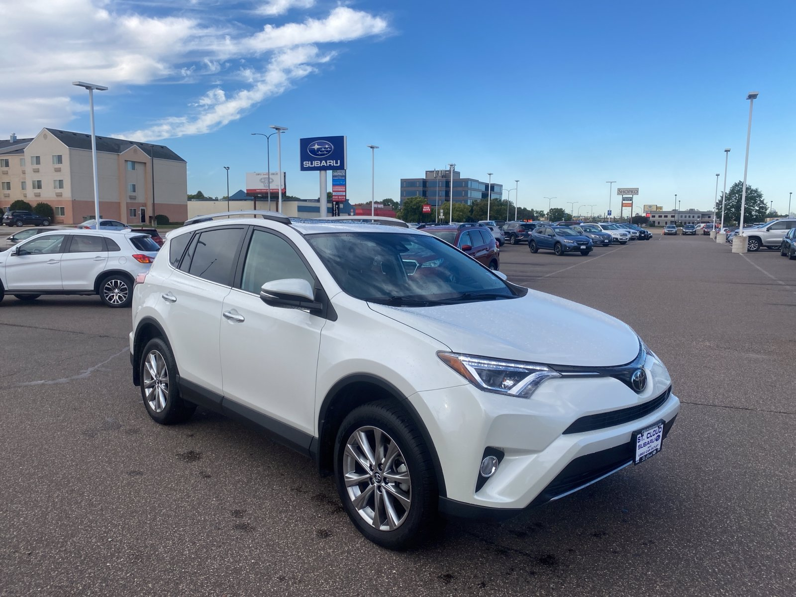 Used 2018 Toyota RAV4 Limited with VIN 2T3DFREV0JW855965 for sale in Saint Cloud, Minnesota