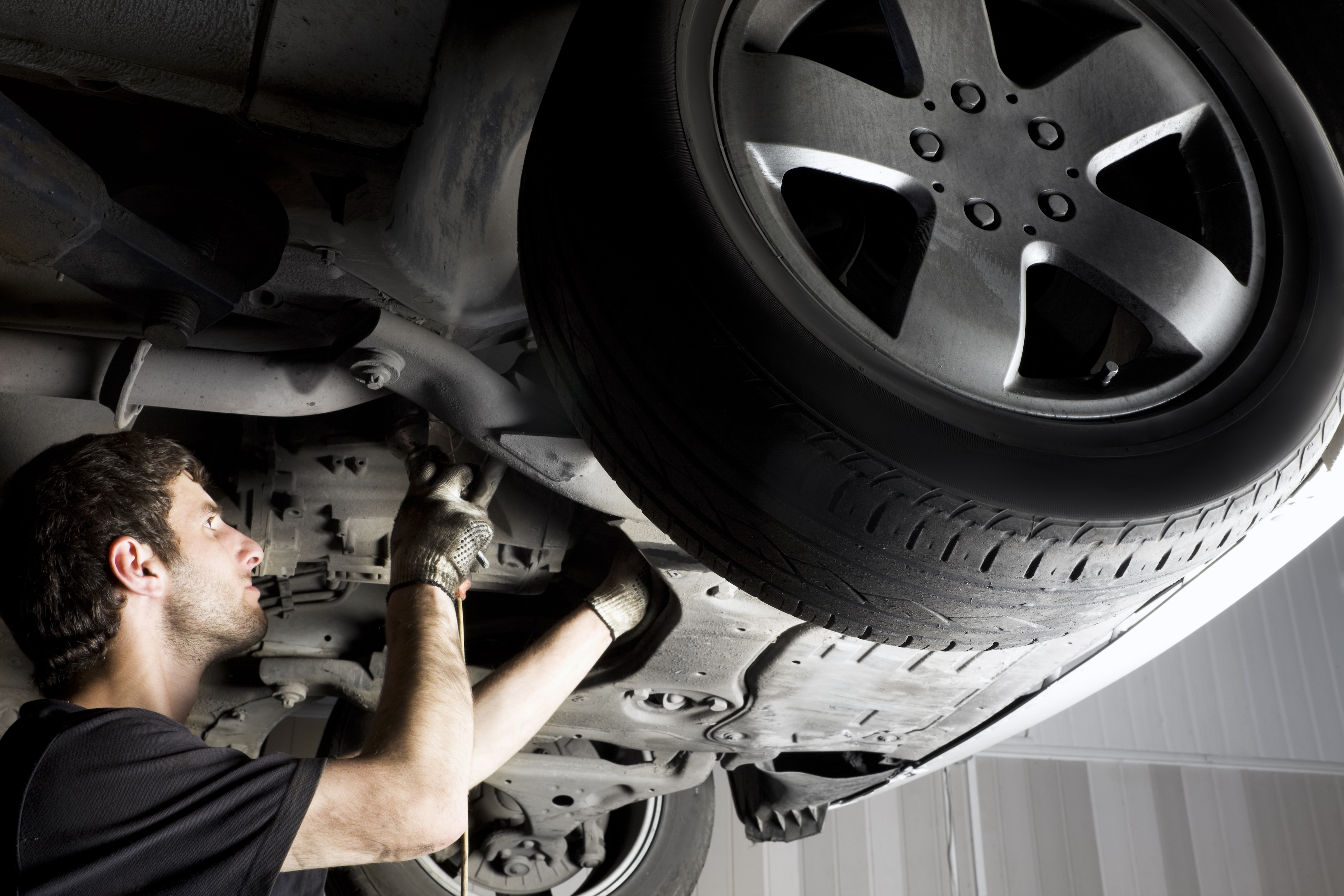 Most Common Transmission Problems Bloomfield, NJ | Lynnes Subaru