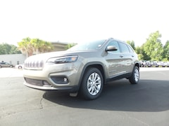 New 2019 Jeep Cherokee LATITUDE FWD Sport Utility DT22828 for sale in Columbia MS
