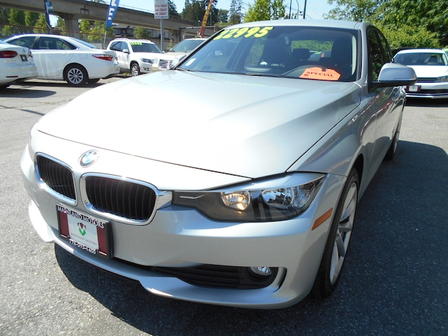 2014 BMW 320i xDrive WITH NAVIGATION Sedan
