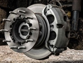 LARGEST BRAKES IN CLASS (F-450)