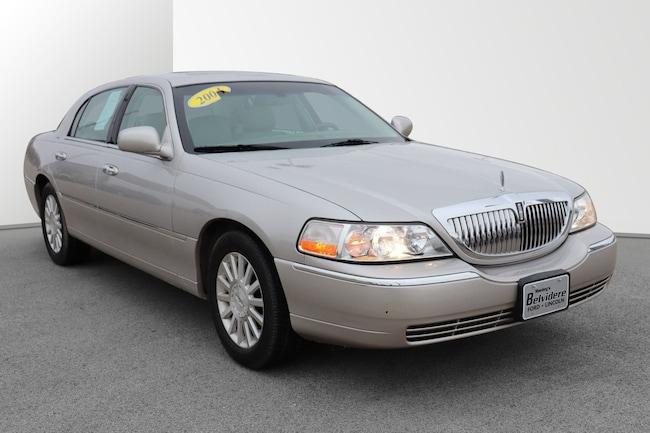 2004 Lincoln Town Car Ultimate Sedan