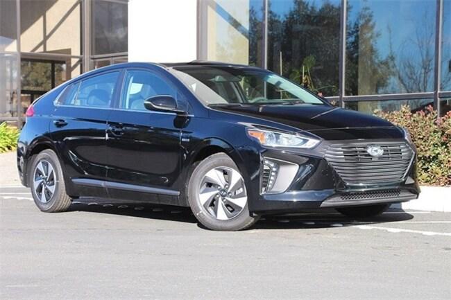 New 2018 Hyundai Ioniq Hybrid SEL Hatchback in Santa Rosa